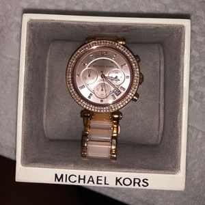 Michael Kor's Rose Gold time watch